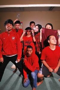 kami para mahasiswa TA - dalam kostum merah :))
